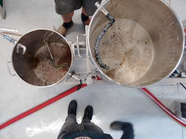 Sparging and transferring the worst to the brew kettle.